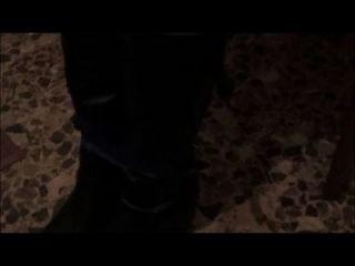 बेसिया बाध्य पहने हुए जूते
