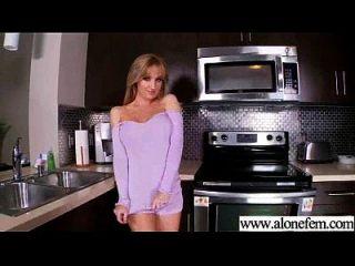 सेक्सी गर्म महिला का उपयोग dildo सेक्स खिलौने तक चरमोत्कर्ष फिल्म 06