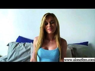 अकेले सींग का सेक्सी लड़की छेद फिल्म 02 में चीजों के सभी प्रकार का उपयोग करें