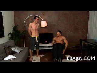 समलैंगिक आदमी देता है lusty गुदा lickings