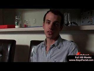लड़के लड़के समलैंगिकों को गर्म वीर्य के भार में ढक लेना 12