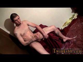 नग्न पुरुषों नोलन भीग पाने के लिए प्यार करता है