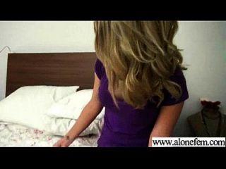 अकेले सींग का सेक्सी लड़की छेद फिल्म 26 में चीजों की सभी तरह का उपयोग