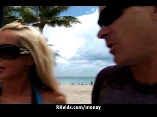 वेश्या के लिए भुगतान किया जाता है और सेक्स के लिए टेप 17