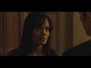 एंजेलिना जोली लेिंग लाइफ (2004)