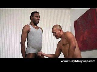 समलैंगिक कट्टर gloryhole सेक्स अश्लील और गंदा समलैंगिक handjobs 03