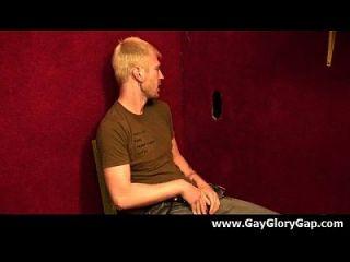 समलैंगिक कट्टर gloryhole सेक्स अश्लील और गंदा समलैंगिक handjobs 09