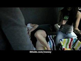 सेक्सी जंगली लड़की 24 बकवास करने के लिए भुगतान किया जाता है