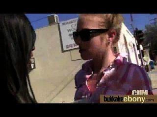 अंतरजातीय गैंगबैंग में गर्म आबनूस लड़की 28