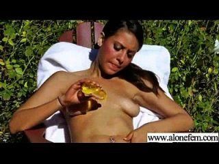 सेक्सी लड़की चीजें वीडियो के साथ masturbating 16