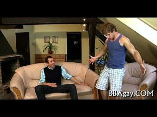 एक यौन उत्साहित समलैंगिक चोंच taming