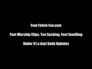 मेरे गंदे जूते चाटना तुम थोड़ा कुतिया साफ
