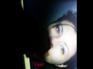 कतरिना के लिए सह श्रद्धांजलि उसे एक फूहड़ कहा जाता है जबकि मैं उसके चेहरे पर सह रहा हूँ।