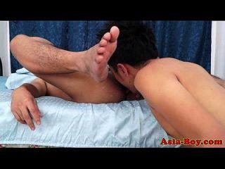 समलैंगिक एशियाई twinks rimming और कमबख्त
