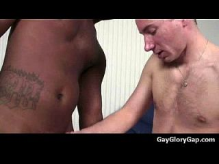 gloryholes और handjobs एक गीला 02 के माध्यम से समलैंगिक गीला मुखमैथुन