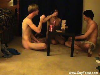 नग्न पुरुषों यह तुम्हारे लिए एक लंबे झटका है जो पसंद है voyeur प्रकार
