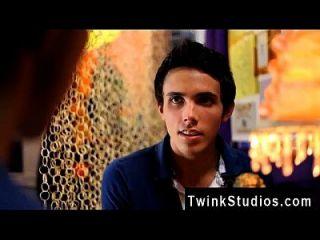 twink वीडियो जोसन पंथ अपने सुपर प्यारे के साथ बैठे हैं