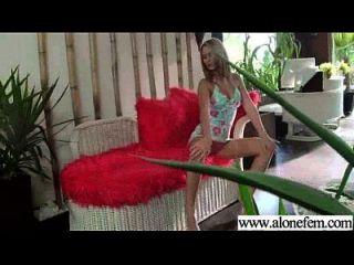 प्यारा गर्म सेक्सी लड़की का उपयोग खिलौने क्लिप 05 हस्तमैथुन करने के लिए