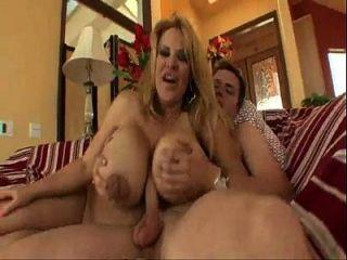 xvideos.com e1a4a4e22ab007461f0c49ff710c2dde 1
