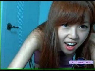 [moistcam.com] एशियाई प्यारा स्ट्रिप्स! [मुफ्त XXX कैमरा]