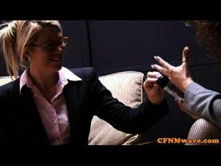 सीएफएनएम एचजे व्यवसायी महिलाओं को प्यार करती है