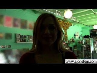 एकल सींग का सेक्सी लड़की छेद फिल्म में चीजों की सभी तरह का उपयोग 03