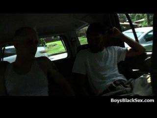 सफेद युवा लड़के काले दोस्तों द्वारा fucked 07