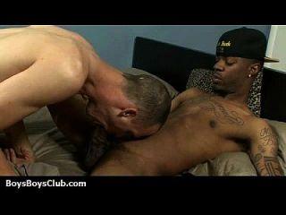 लड़कों पर अश्वेतों कट्टर समलैंगिक वीडियो 23