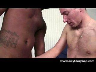 समलैंगिक कट्टर gloryhole सेक्स अश्लील और गंदा समलैंगिक handjobs 02