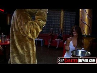 55 वाह! सीएफएनएम क्लब नंगा नाच लड़कियों चूसने डिक 2