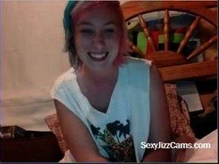 कैम कैम पर titties चमकती है