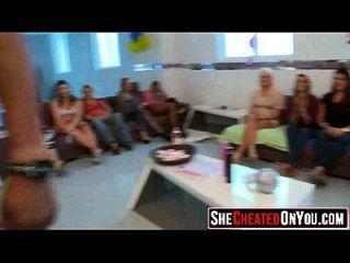 14 स्ट्रिपर्स सीएफएनएम सेक्स पार्टी 54 पर उड़ा