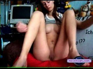 [XXX कैम] जवान औरत गाजर लेती है! [Moistcam.com]