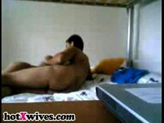 सेक्सी पत्नी हब्ल्स मुर्गा बेकार है