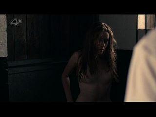 चारलोटे स्पेंसर नग्न टॉपलेस और सेक्स \u0026 ndash; गोंद (2014) s1e5 hd720p