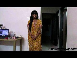 भारतीय बेब लिली सेक्सी साक्षात्कार