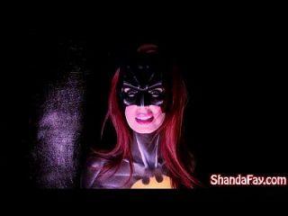 कैनेडियन milf shanda फीट batgirl है और बड़ा खिलौना के साथ बंद हो जाता है!