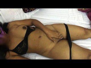 मोना भाभी ने सेक्स इंडियन अनी हॉट के लिए अधोवस्त्र को हटा दिया