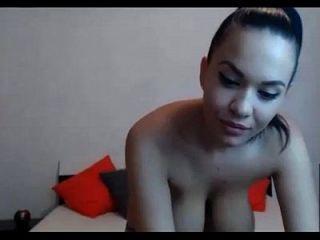 सेक्सी लाइव कैम बड़े स्तन !!!! सुंदर लैटिना !!!
