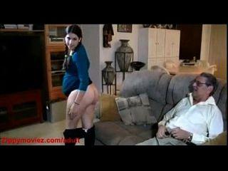 गर्भवती बेटी को घर पर पिताजी कुत्ते बकवास करता है