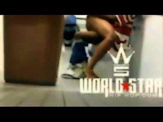 स्वागत 2 विश्व सितारा मॉल बाथरूम smh में अपने सबसे अच्छे दोस्त के आदमी को कमबख्त!