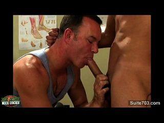 सेक्सी समलैंगिक jocks कार्यालय में कमबख्त
