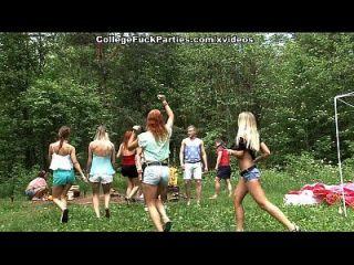 गंदी कॉलेज sluts जंगली बकवास उत्सव में एक आउटडोर पार्टी बारी 3 दृश्य