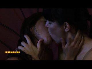 अद्भुत गर्म लड़कियों लड़कियों को बहुत गर्म चुंबन