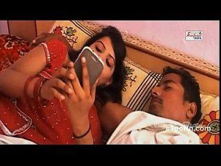 बिस्तर में किशोरों की अभिनेत्री गर्म दृश्य बिगड़