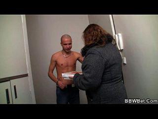 वह सेक्स में वसा लड़की चालें
