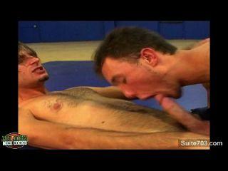 सेक्सी समलैंगिक jocks कमबख्त जिम में