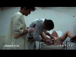 एफएमएम कौगर सोडोमिसेई पर एल सहायक चेज़ ले जीनेको ऑक्स ग्रोस सेन्स