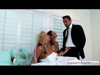 सेक्सी लड़कियां जाडा स्टीवन्स और फ़ीनिक्स मैरी शेयर मुर्गा शादी पर