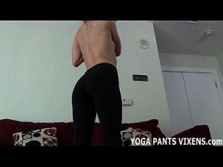 मेरे नरम योग पैंट जॉय पर अपने हार्ड कॉक पर रगड़ें